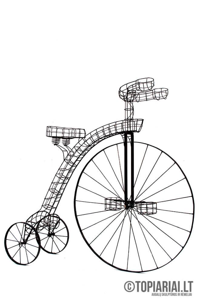 dviratis remas topiary augalu skulptura